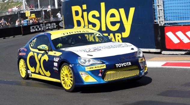 Thomas Closes on Top Three T86RS Finish